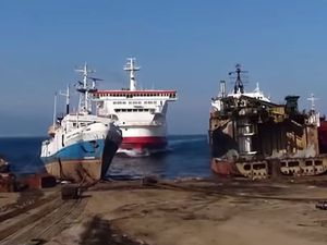 VIDEO - beacher un Ferry à 15 noeuds, c'est possible !