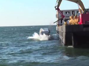 VIDEO - New-York immerge 2500 rames de métro au large de ses côtes