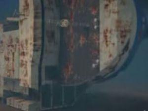 VIDEO - les opérations de renflouement du cargo roulier Baltic Ace en Mer du Nord
