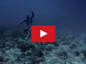 VIDEO - incroyable, en apesanteur, sous l'eau !