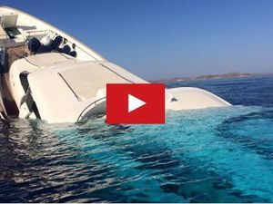 VIDEO - un yacht sombre en quelques minutes au large de Mykonos