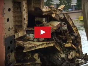 VIDEO - et soudain, 1417 voitures surgissent du fond de la mer