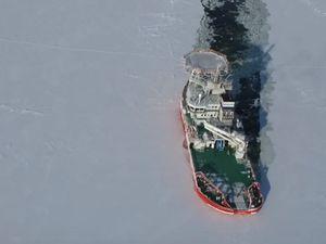 VIDEO - Essais en mer de Baltika, un brise-glace oblique révolutionnaire