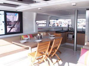 Un nouvel aménagement de carré pour le catamaran Bali 4.3