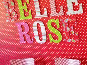 Papier peint Pois Belle Rose coloris Rouge et Vert lemon