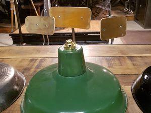 4) 50€. 31 cm de diamètre - émail verte & blanche d'origine très bien préservée - les intérieurs sont très propres.