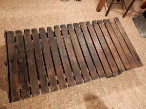 Table basse - fer et bois - chêne ancien.