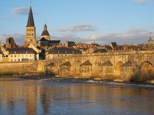 La Charité sur Loire - Niveau de la crue de 1866 (pas loin du toit) - Cabernet d'Anjou pour mes 1000 km ... vin de Loire