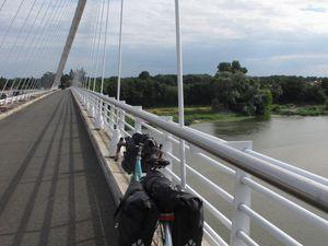 Loire vagabonde - Balisage Loire à Vélo - Pont de l'Europe à Orléans