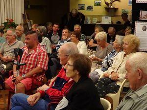 un public très intéressé par les explications de Philippe Viennois