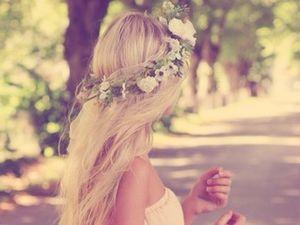 Les différentes coiffures avec un headband a fleur