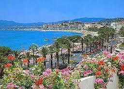 Cannes, un destin d'exception&#x3B; merveilleuse Ingrid Bergman&#x3B; la Palme d'Or ou la consécration&#x3B; égale à elle-même Catherine Deneuve&#x3B; Cannes 1939, une affiche mythique&#x3B; femmes et toilettes, la beauté en dénominateur commun&#x3B; Lambert Wilson, femmes je vous aime ...