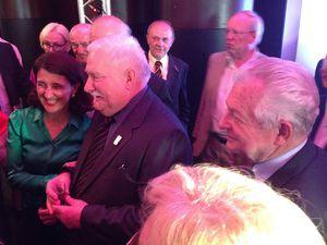 Soirée des 25 ans de la liberté avec Lech Walesa à Enghien-les-Bains.