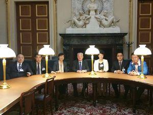 J'ai reçu ce matin 6 représentants du Bureau de la législation de la Municipalité de Shanghai pour échanger sur la législation du travail en France.