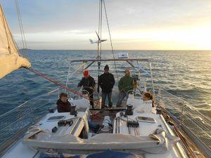 """Première sortie """"officielle"""" d'Iti Manawa, à bord, Jackie, Anita, Olivier, Nicole, Véronique et les deux capitaines !"""