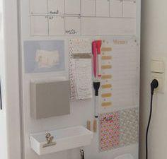 DIY Organiseur familial à mettre sur le réfrigérateur (tuto)