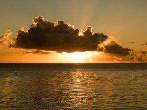Un coucher de soleil pour la route !