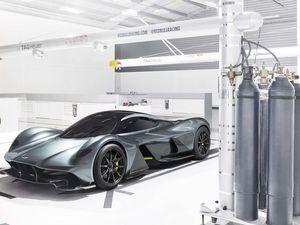 Aston Martin &amp&#x3B; Redbull dévoilent l'AM-RB 001, une hypercar qui pourrait toutes les écraser