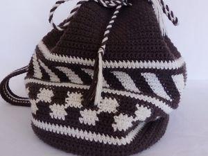 Mochilas en fil bitord et en jacquard de crochet