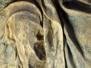 Germain Pilon - Vierge de douleur - terre cuite polychrome et gypse. Modèle original de la statue de marbre pour la chapelle funéraire d'Henri II à Saint Denis (aujourd'hui dans l'église Saint Paul Saint Louis à Paris)