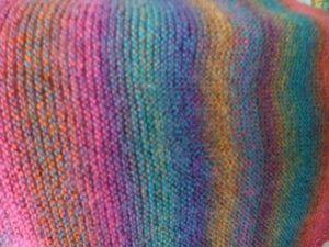 Bonnet et petite étole en fil pour chaussette