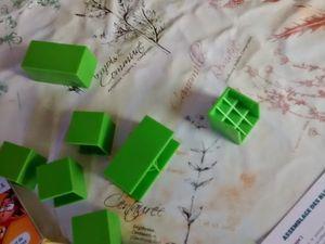 Scientibox: petits cubes verts pour faire des labyrinthes optique avec des miroirs