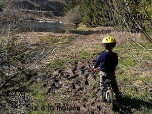 Petite ballade à la recherche du printemps - L'enfant et la nature