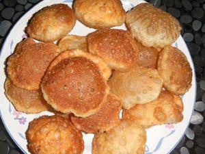 c'est un pain indien, croustillant, que l'ont peut farcir.