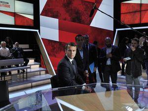Interview d'Emmanuel Macron sur France 2 : Barbara Lefebvre, la filloniste masquée qui a profité de cetté émission pour traiter Mme Agathe Habyarimana (1:38) de criminelle contre l'humanité