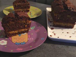 Gâteau au chocolat et compotée d'abricots secs