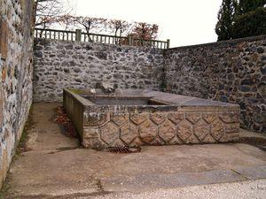 le Crest   place du moutier  -  r de la fontaine vieille