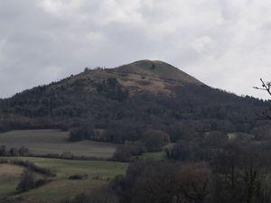 Le Dauphiné d' Auvergne :De St-Cirgues-sur-Couze à Tourzel-Ronzières