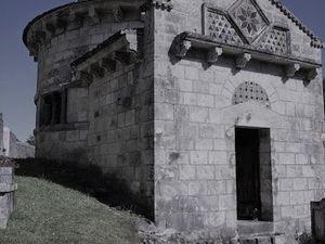Chambon-sur-Lac - La chapelle - Le puy de l'Angle