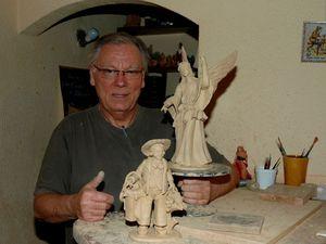 Le santonnier dans son atelier