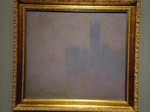 """En haut """"Sur les falaises près de Dieppe"""" 1897 (Ermitage) puis """"Les Mouettes. Le Parlement de Londres"""" 1904 (Pouchkine) et """"Les Rochers à Etretat"""" 1886 (Pouchkine)"""