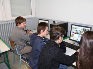 Les élèves ont recherché sur internet une ville candidate pour les J-O de 2024 (sport, économie, logement, culture, transports, ....)