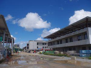 Signature de contrats d'embauche par des jeunes du RSMA Guyane chez NSPM
