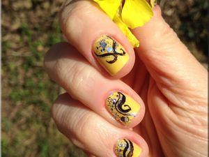 Nail Art &quot&#x3B; Bananouille le défi !  en jaune ! &quot&#x3B;