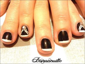 Nail Art &quot&#x3B; French en noir &amp&#x3B; blanc&quot&#x3B;