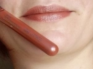Lip Gloss Long Lasting Née Jolie....