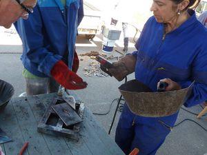Journée de sculptures sur métal avec les Frères-Ailleurs