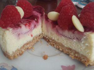 Mini cheese cake au chocolat blanc et framboises