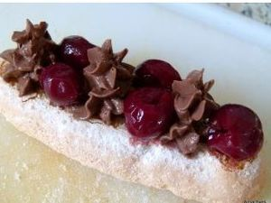 Sandwich gourmand.....mousse chocolat, griottines