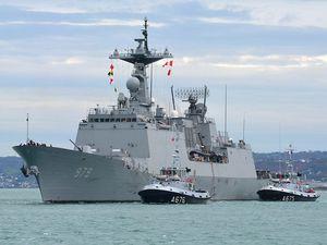 En images, le départ des navires coréens du port militaire