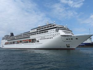 Saga Sapphire, MSC Sinfonia et Serenade of the Seas, tous en escale inaugurale