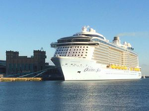 Les géants de Royal Caribbean : Ovation of the Seas et Independence of the Seas