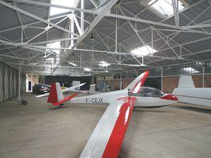 Le résultat est là, un hangar très lumineux, ce qui va simplifier les travaux sur les machines.