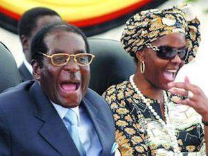 Mugabe et son épouse dans deux postures évocatrices