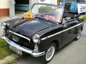 Rallye d'automobiles anciennes « LES TEUFS TEUFS du CŒUR » 2016 dimanche 12 JUIN 2016 aux Essarts le Roi (78)
