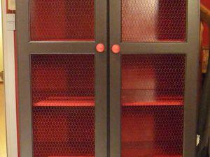 Relookage d'une armoire en pin